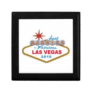 Ny gifta i sagolika Las Vegas 2016 (underteckna), Presentskrin