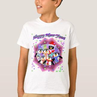 Nya år 2014 för pingvin t shirts