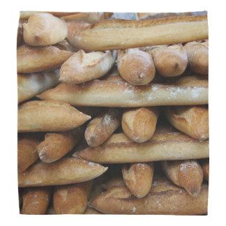 Nya bagetter på en marknadsföra scarf