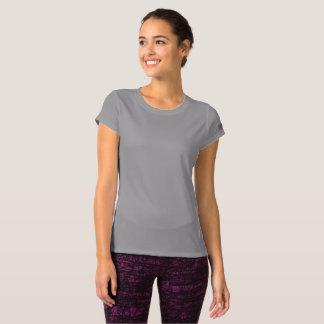 Nya kvinnor balanserar T-tröja T-shirt