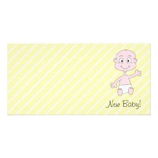 Nyfödd bebis Gulligt vinka för bebis På gula str Anpassingsbara Fotokort