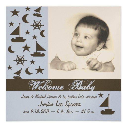 Nyfödd bebismeddelandeblått personliga inbjudan