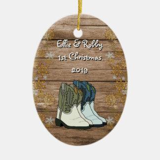 Nytt hem- land för första julpar julgransprydnad keramik