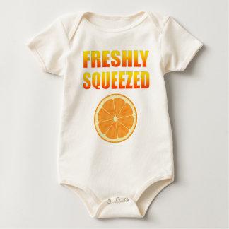 Nytt sammanpressat body för baby