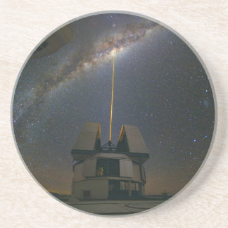 Observera det Milky långt genom att använda Underlägg Sandsten