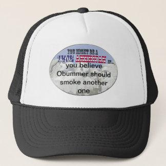 obummer röker ett annat truckerkeps