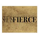Och fast hon är men lite, är hon fierce. vykort