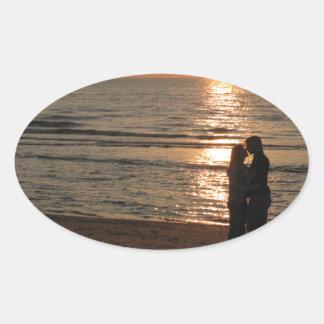 Ode till älskare ovalt klistermärke