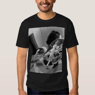 Oförskräckt varar besvärad t shirts