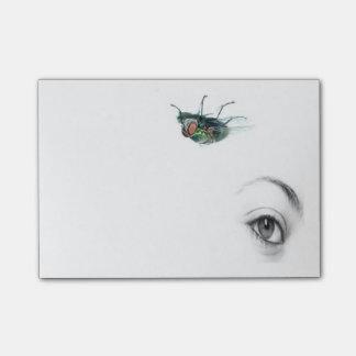 ögat med flugan postar den noterar post-it lappar