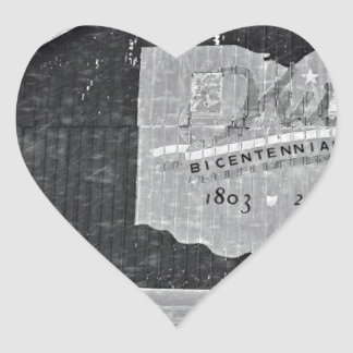 Ohio ladugård i vinter hjärtformat klistermärke
