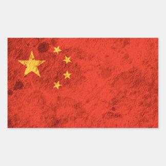 Ojämn kinesisk flagga rektangulärt klistermärke