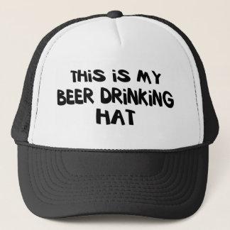 Öl som dricker hatten keps