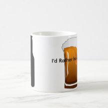 Ölälskare som måste dricka kaffe kaffe mugg