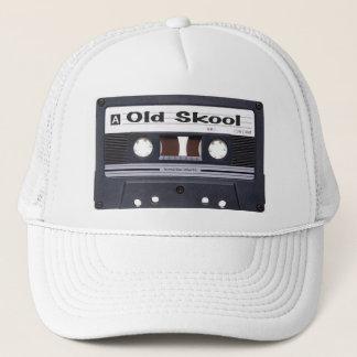 Old schoolkassetten tejpar hatten truckerkeps