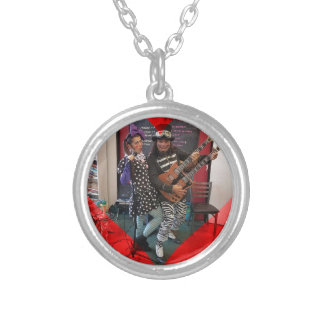 Oliv och Dingo, roligt som älskar Portland clowner Silverpläterat Halsband
