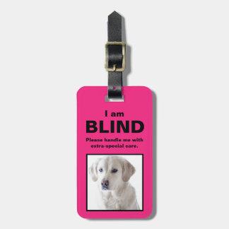 [Om min hund] den blinda döva katthunden Bagagebricka