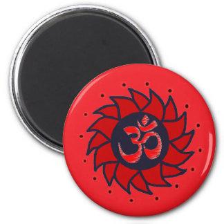 Om och röd Pinwheel - Yogamagnet Magnet Rund 5.7 Cm