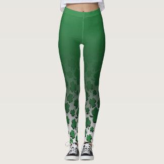 Ombre & grönt över svart Shamrockmönster på vit Leggings
