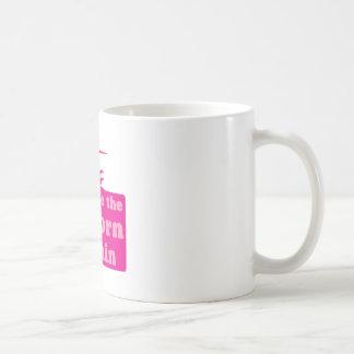 omfamna unicornen within kaffemugg
