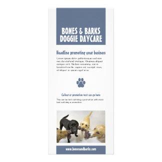 Omsorg för hund för blåtttasstryck reklamkort