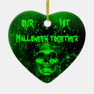 Ond spöklik grön skalle 1st Halloween tillsammans Hjärtformad Julgransprydnad I Keramik