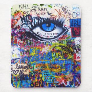 Ont öga för blåttgrafitti musmatta