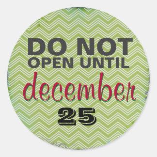 Öppna INTE till December 25 Boho Runt Klistermärke