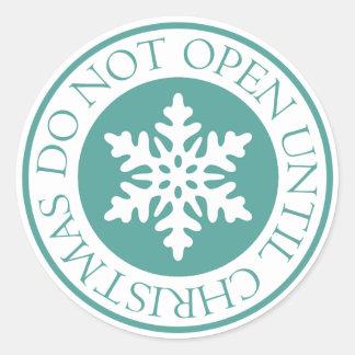 Öppna inte, tills julSnowflakeblått görar grön Runt Klistermärke