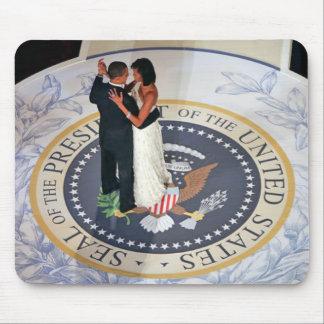 Öppnings- boll för Barack och Michelle Obama dans Mus Mattor