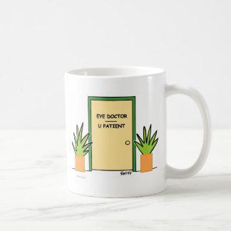 Optisk kontorstecknad för rolig beställnings- kaffemugg