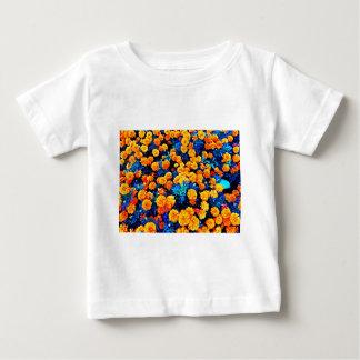 Orange blommor tee shirts