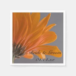 Orange daisy på grått bröllop papper servetter