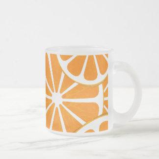 oranges. frostad glasmugg