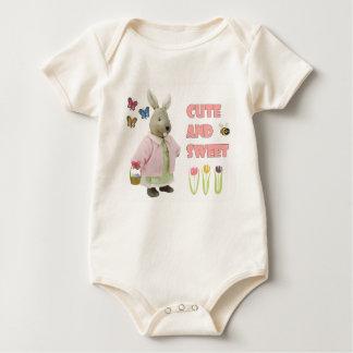 Organisk Bodysuit för gullig och söt kaninbaby Creeper