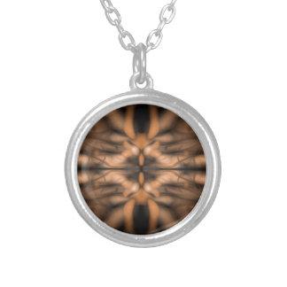 Organiskt mönster för orange fantasi silverpläterat halsband