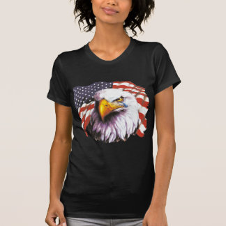 Örn med en reva - USA flagga i bakgrund Tröja