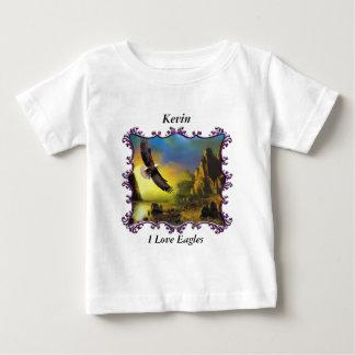 Örn som flyger över ligganden tee shirt