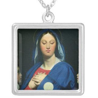 Oskulden av vara värd, 1866 silverpläterat halsband