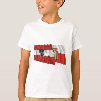 Österrike & Oberoesterreich som vinkar flaggor T-shirt
