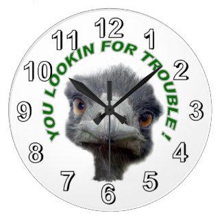 Ostrichen besvärar stor klocka