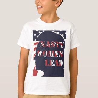 Otäcka kvinnor leder politisk demokratisk feminism t-shirt