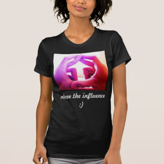 ovanför påverkan t-shirts