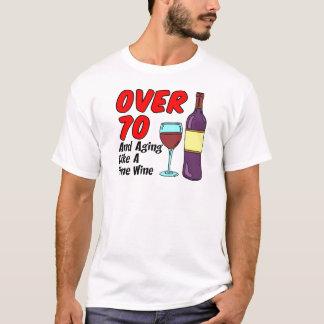 Över åldras likt vin 70 t-shirt