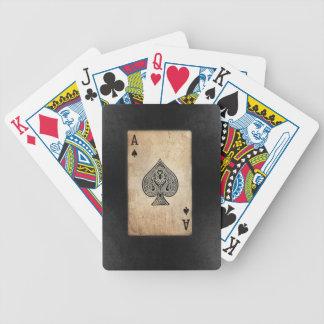 Överdängare av spadar spelkort