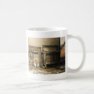 Övergett antikt möblemang kaffemugg
