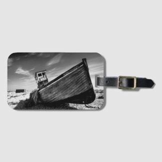 Övergett fartyg på den Dungeness stranden Bagagebricka