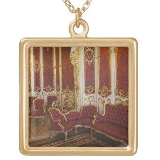 Övervintra slotten, eremitboningmuseet, insida 2 guldpläterat halsband