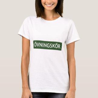 """ÖVNINGSKÖR (""""studentchaufför"""" eller """"learner"""") Tshirts"""