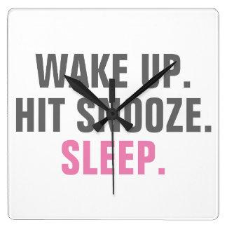 Övre vak och sömn fyrkantig klocka